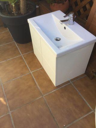 Encimera de baño y espejo