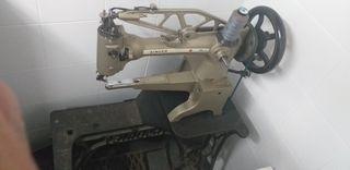 Maquina de coser. (Zapatero)