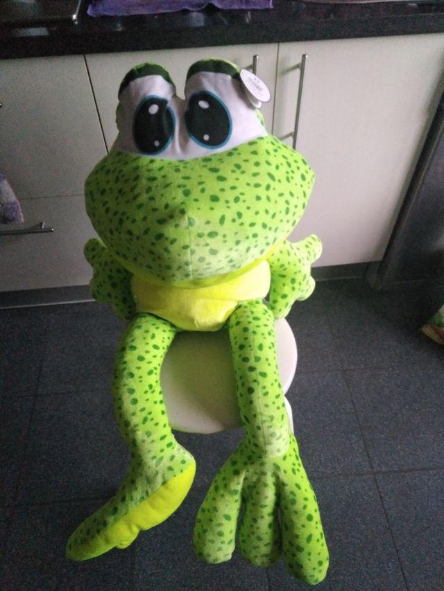 peluche rana gigante