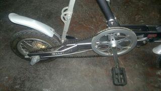 bicicleta electrica plegable marca EBICI commuter