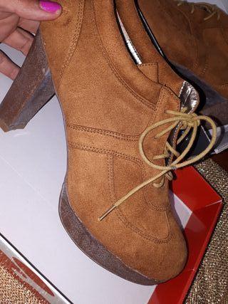 zapatos cordón tacon