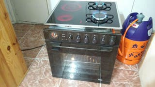 Horno electrico y placa Mixta(2gas+2vitro)