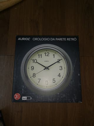 reloj retro de pared