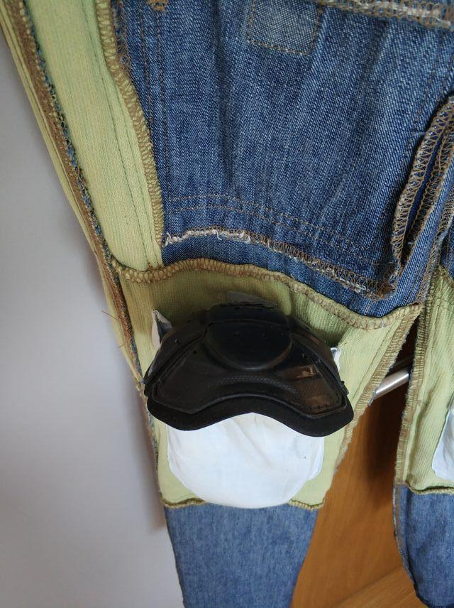 Pantalón vaquero Kevlar con protecciones rigidas