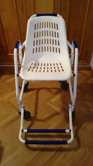 Silla de ducha geriátrica con ruedas