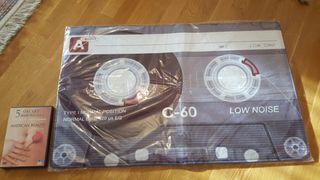 Alfombra diseño cinta cassete retro