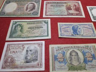 cientos de billetes antiguos de España