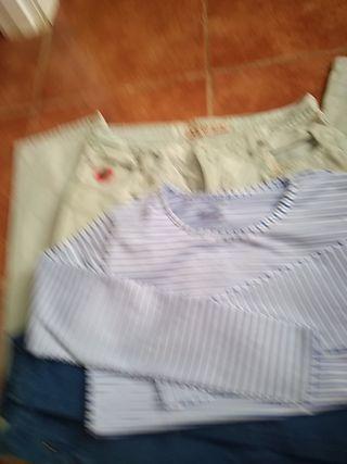 2 pantalones y camiseta
