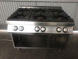 Cocina industrial de 6 fuegos gas natural