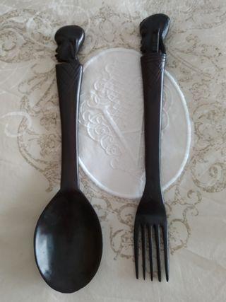 Cubiertos para servir ensalada africanos