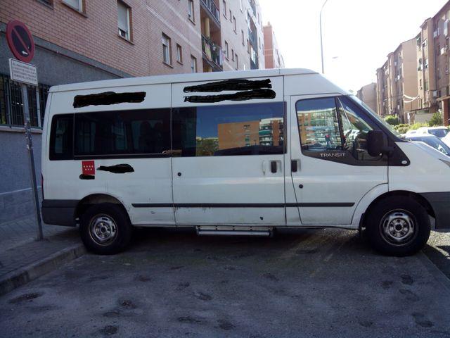 Ford Transit 9 plazas adaptada silla de ruedas