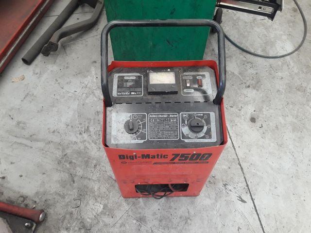 cargador arracador 12-24v