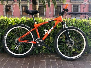7c7debb9440 Cuadro de bicicleta Gt de segunda mano en WALLAPOP