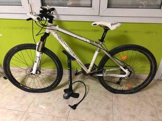 Bicicleta mtb rockrider 8.2