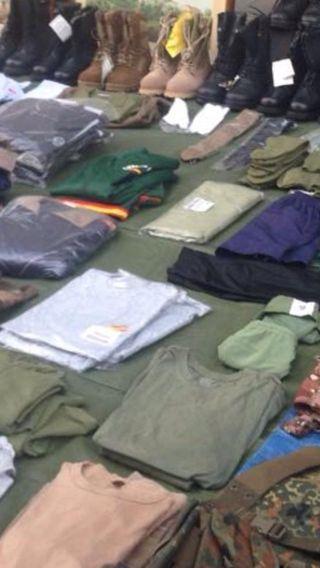Accesorios y ropa militar