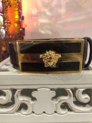 Cinturón Versace auténtico. Nuevo