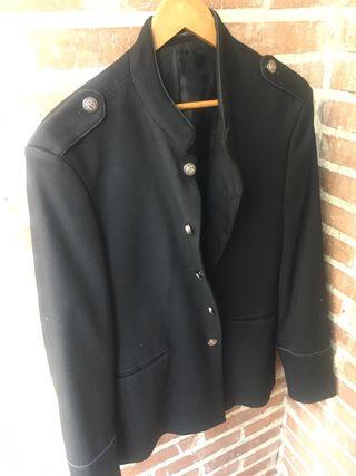 Chaqueta negra de vestir