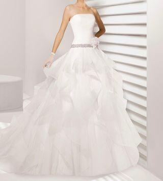 b0d1bb5c0b Vestido de novia Rosa Clara de segunda mano en Alicante en WALLAPOP