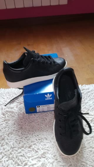 zapatillas adidas Stand Smith negras