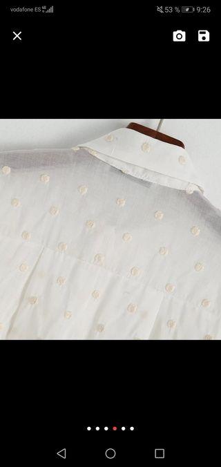 Blusa lunares bordados