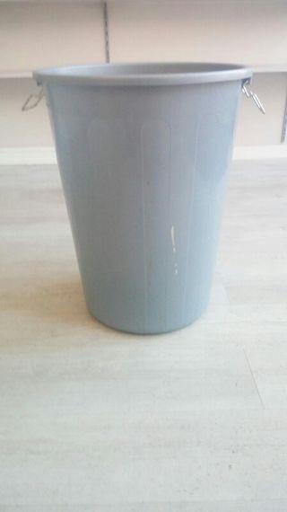 cubo basura 100 litros