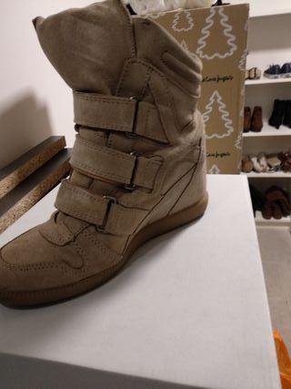 0855f5eb1ac Sneakers Hakei de segunda mano en WALLAPOP