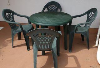mesa y 4 sillones jardin