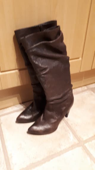 knee high brown boots size 6