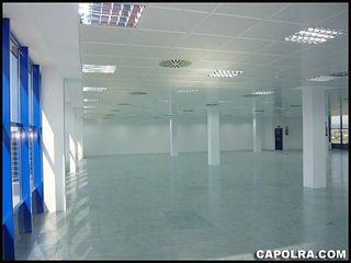 Oficina en alquiler en Porta en Barcelona