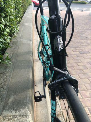 Bicicleta de carretera. BIANCHI ARIA 2018