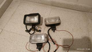Conjunto 4 Luces de 12V halógeno con soportes.