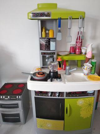 cocina y vitro horno.