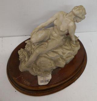 Escultura Marmolina Señora