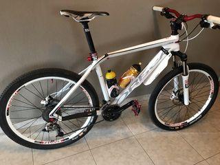Bicicleta Orbea Alma Carbono 26