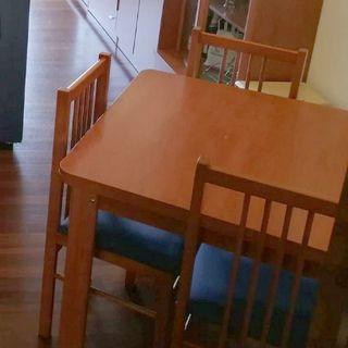 Mesa de Comedor Extensible + 4 Sillas