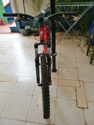 se vende bicicleta specialized hardrock