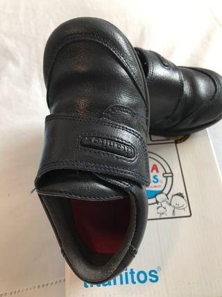 Zapatos Colegio. Azul marino. Número 26.