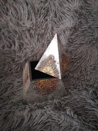 Pirámide decoración joyas