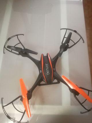 Dron DCH-600