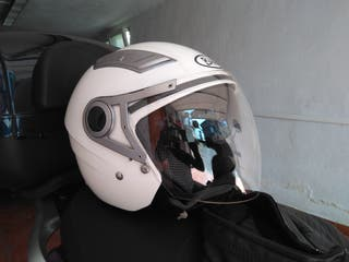 casco jet blanco moto