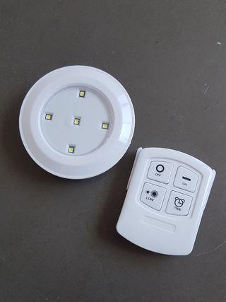 Lámpara a pilas led portátil con mando
