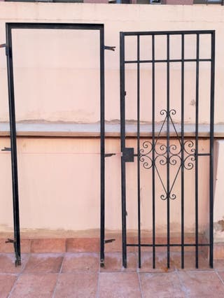 Puerta forjada hierro