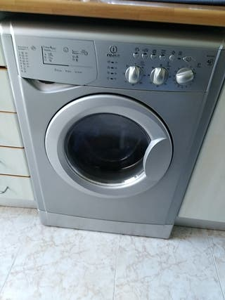lavadora indesit 4 kilos en pefecto estado