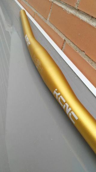 Manillar plano KCNC Rampant ORO. 31,8x710mm. Nuevo
