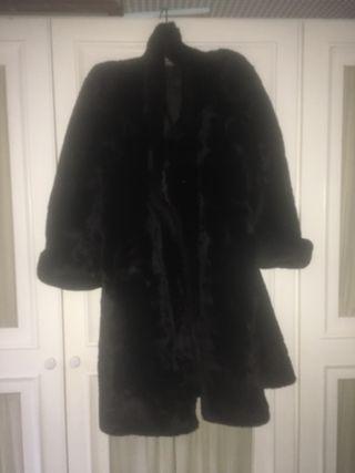 Abrigo de mouton auténtico marrón oscuro