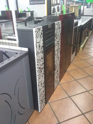 ESTUFA DE PELLETS PASILLERA 9,5 KW LA MÁS ESTRECHA
