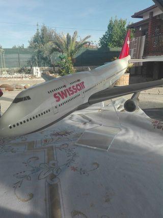 Maqueta avión de salvamento.