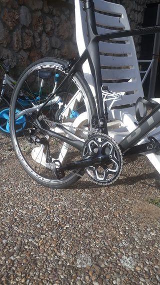 bicicleta de carretera de carbon