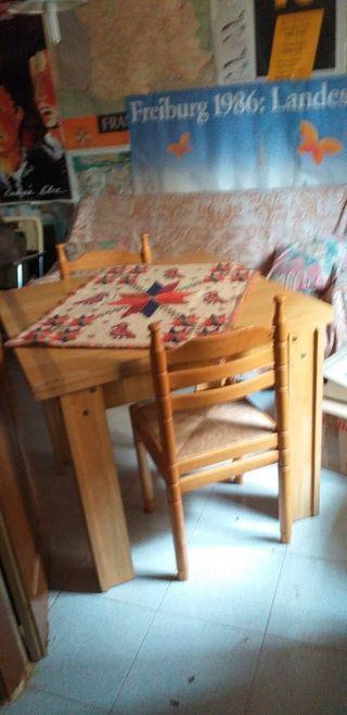 conjunto vitrina mesa y sillas