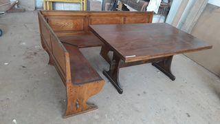 Mesa y banco de castaño macizo